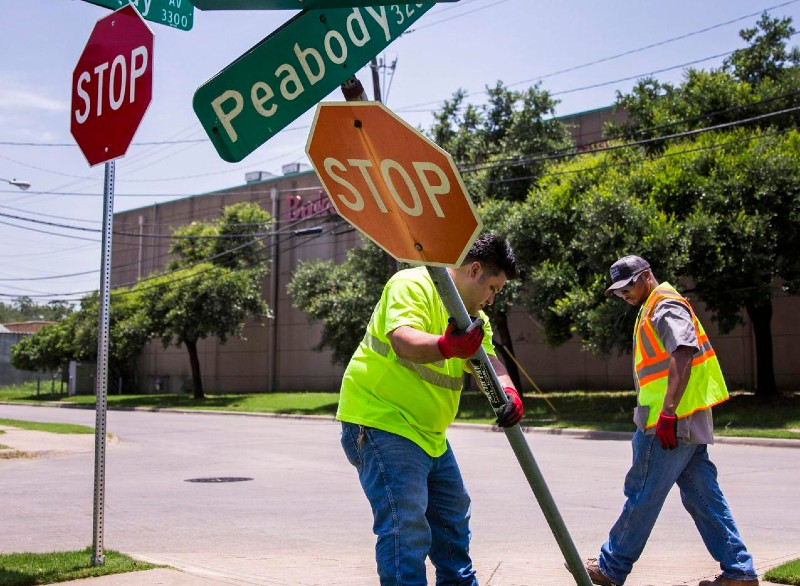 Here's What To Do If You Damage A Road Sign Who Is Responsible